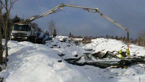 Betongarbeider om vinteren på Inderøy