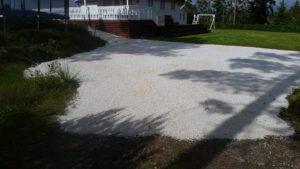Winges Service, marmorsingel på gårdplass